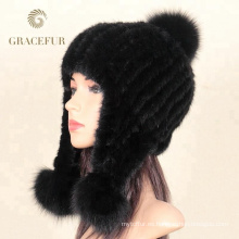 Negro funky equipado lana sombreros marcas trenza