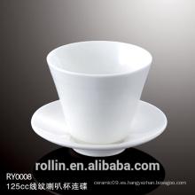 China fabricante Copa de porcelana con flor