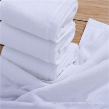 China 100 % Solid Plain Dyed 5 Star fabric roll with cheap price bath towel