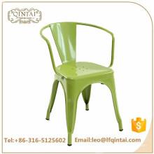 Оптовая дешевые зеленый промышленный железный бар стул с оружием Ресторан Stackable Металлический Стул Ретро Стулья Для Продажи