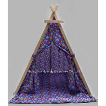 Tente imprimée de haute qualité avec forme triangulaire