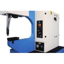 Machine d'insertion avec différentes attaches