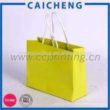 sac en papier personnalisé pour faire du shopping