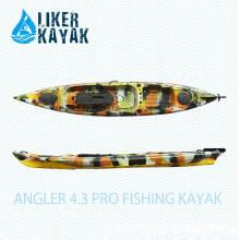 Angler 4.3 Liker PRO Fishing Kayak sentarse en la parte superior con el asiento de la función, disponible para añadir Motor