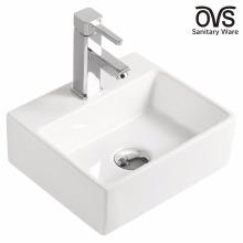 Fabriqué en Chine mur accroché petit lavabo à la main