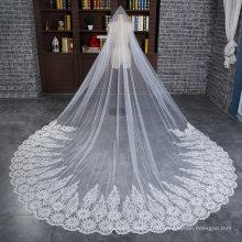 Оптовая Свадебные длинная фата с широким кружевом аппликация