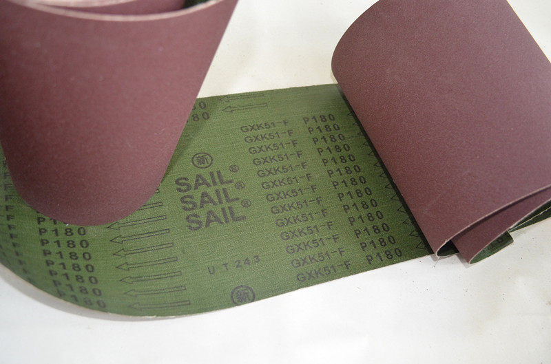 Abrasive cloth roll