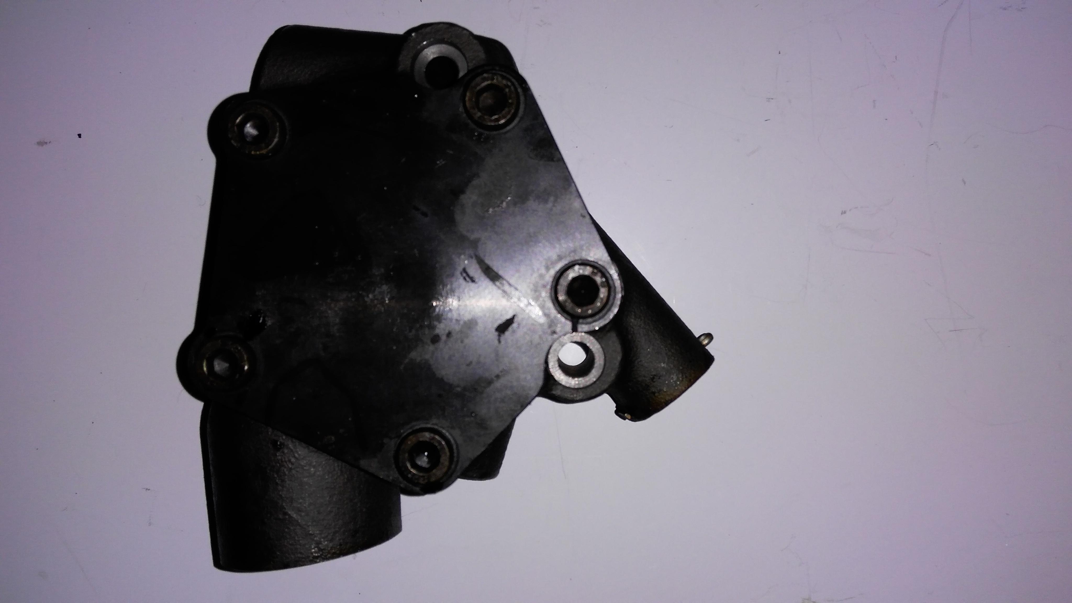 F6L913 oil pump 5