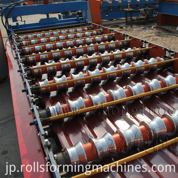 Roof panel roll forming machine (4)