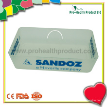 Маленький таблеток для пластиковой медицины с аптекой