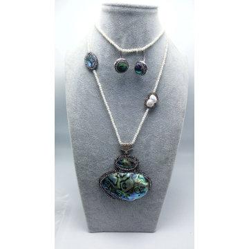 Pendentifs nature, un ensemble pour les bijoux féminins Collier perle