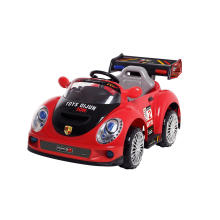 Kinder Elektrisches Auto / Fahrt auf Auto