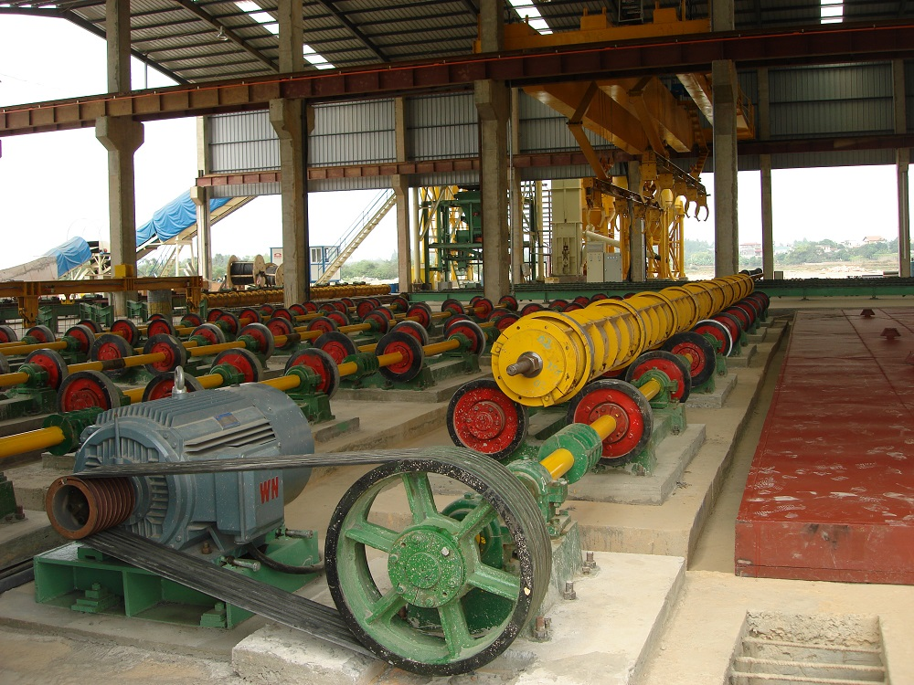 Single wheel spinning machine centrifugal machine