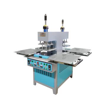 pequena fábrica de máquina de etiqueta de silicone de plástico para camisetas