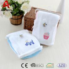 2018 novo design 2 pcs pacote coral fleece bebê cobertor com bordados