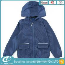 La mode la plus récente des vêtements bon marché pour les enfants
