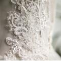 2018 usine prix en gros Appliques en dentelle profonde v cou sans manches robe de mariage de suzhou