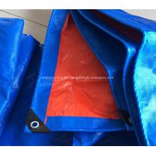 Blauer Planenschutz für Autos Boote
