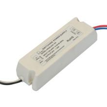 Conducteur à LED imperméable à l'eau 5W-40W conducteur à courant constant alimenté par LED IP67