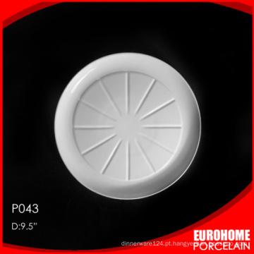 Restaurante de hotel EuroHome use prato de porcelana