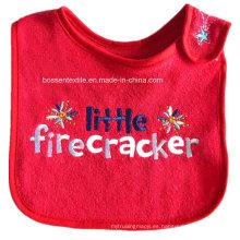 Delantal de encargo del bebé de los baberos del bebé del desgaste del bebé del bordado rojo de las palabras del algodón promocional