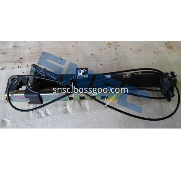 Cab Hydraulic Cylinder And Cable Assembly 5001120 D816 0