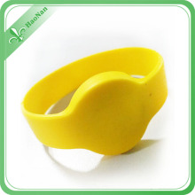 Hot Selling Ntag203 RFID Silicone Wedding Wristband for Events