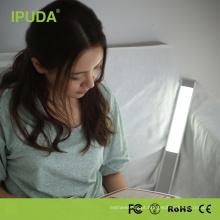Candeeiro de mesa o mais atrasado novo recarregável ajustável da leitura da tecnologia de IPUDA USB
