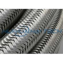 Manga trenzada de metal para alambre