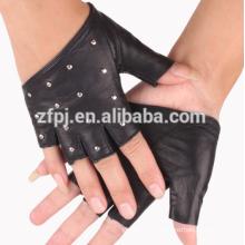 Las mujeres de la manera de la marina de guerra dedo corto / fingerless guantes de cuero con los pernos prisioneros de la manera guantes de cuero