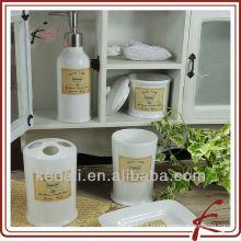 Accessoires de salle de bains en céramique de mode