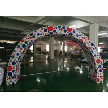 13 FT Arch Tension Fabric Trade Show visar