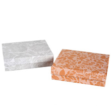 Boîte-cadeau pliable d'emballage en papier de fermeture magnétique faite sur commande