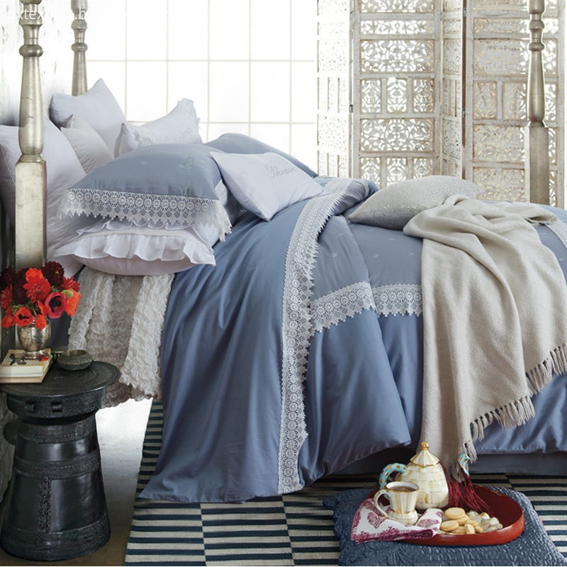 Quilted Coverlet Queen