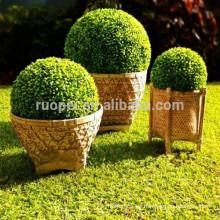 Bola decorativa de la hierba del boj artificial plástico