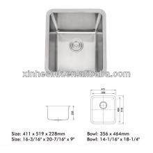 Unterbau-Waschbecken aus Edelstahl
