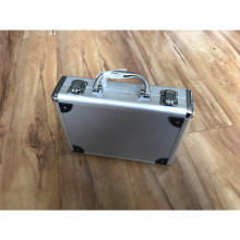 Caja de aleación de aluminio con inserto de espuma troquelada