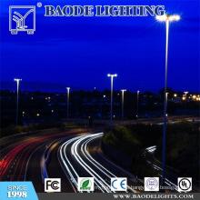 Traditionelle hohe Mastbeleuchtung mit Blitzableiter (BDG46)