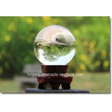 Moderner einfacher transparenter Kristallglasball