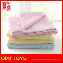 100% poliéster rosa impresso bebê cobertores de lã por atacado