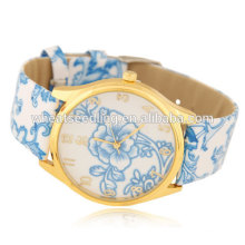 Classical charm leather bracelet quartz watch for girls