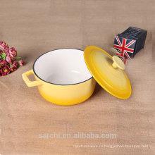 Бытовая эмальная посуда из чугуна с кастрюлью с крышкой