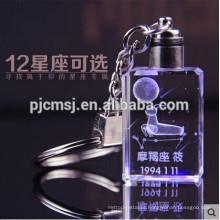 Chaveiro de cristal luz LED bonito com logotipo de gravação 3D Laser