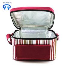 Μια τσάντα για μεσημεριανό γεύμα με τσάντα για μεσημεριανό