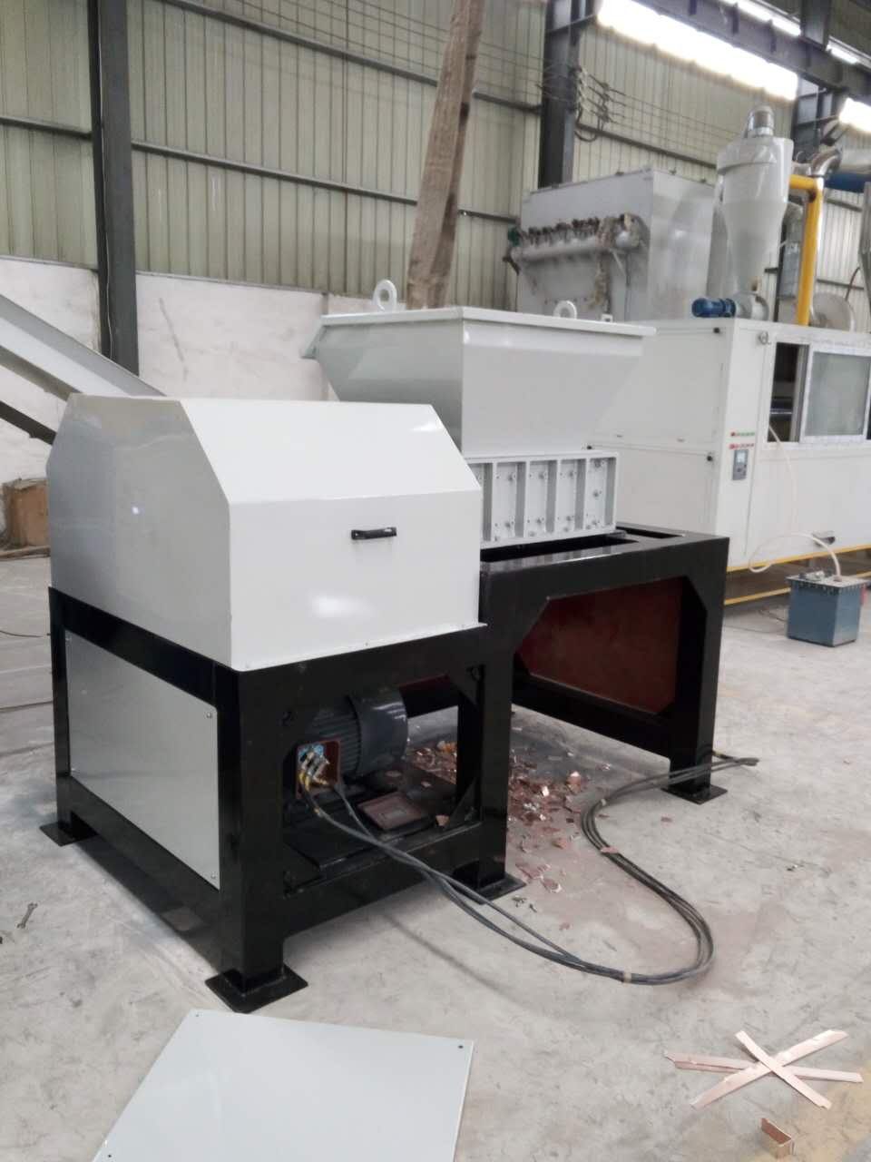 plastic shredder and crusher