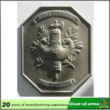 Emblema de alumínio antigo do material 70cm do chapeamento de bronze