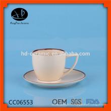 Taza de café de cerámica del diseño único, ser de la taza de café, taza de café de cerámica reutilizable y platillo