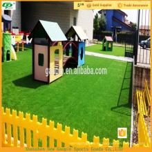 Hierba artificial del paisaje de alta calidad para el jardín y el suelo deportivo