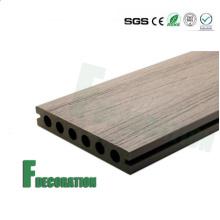 Decking extérieur imperméable à l'eau de composite en bois de WPC de prix bon marché