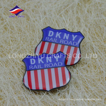 American fashion stripe clothes badge pin créatif